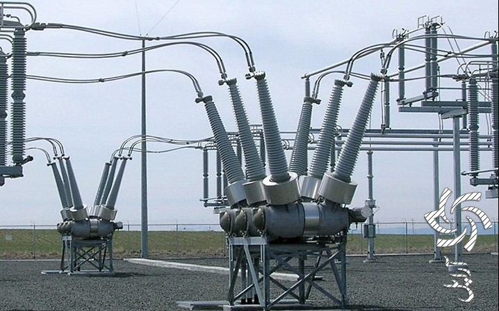 نمایی از مدار شکن (Circuit Breaker) یا CB از نوع Dead tank برق خورشیدی